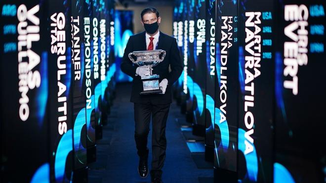 Djokovic vs Medvedev anh 16