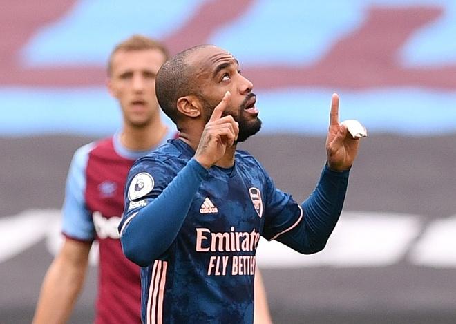 West Ham vs Arsenal anh 17
