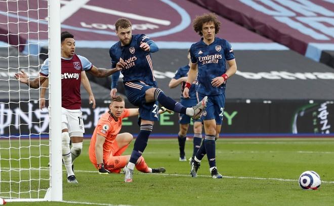 West Ham vs Arsenal anh 24