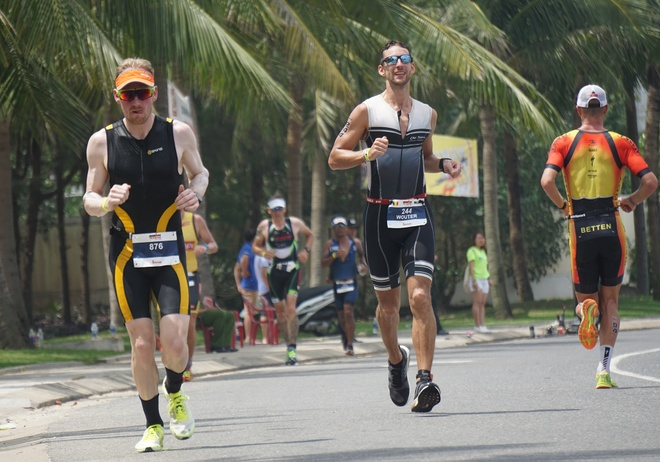 Gan 1.400 'nguoi thep' khoi tranh Ironman 70.3 Viet Nam 2017 hinh anh 2