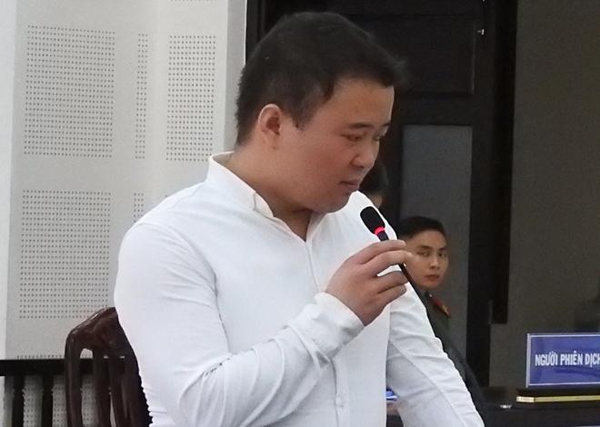 Nguoi dan ong Trung Quoc thuc hien hang loat vu trom o san bay linh an hinh anh