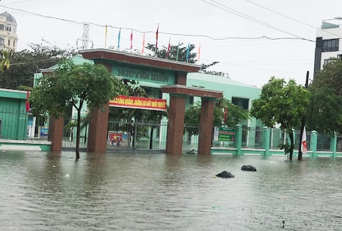 Mưa ngập nặng, Đà Nẵng cho học sinh nghỉ ngày 10/12 – Thời sự