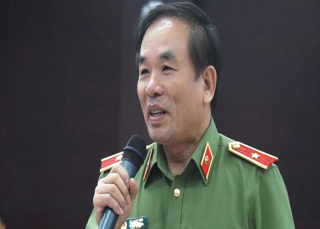Cong an Da Nang thong tin vu dung sung cuop tien o cua hang Viettel hinh anh