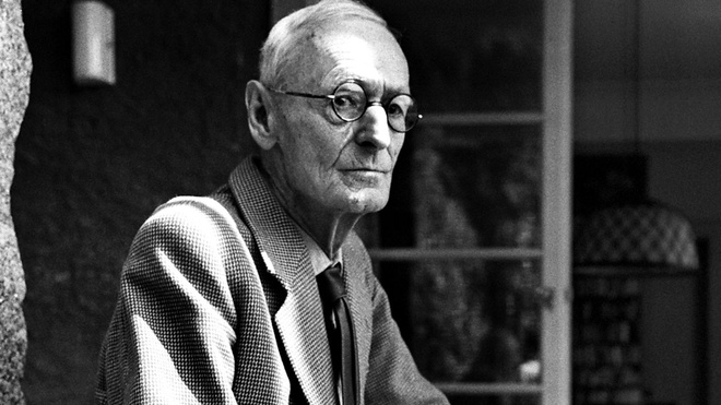Hermann Hesse: Dong song chay mai trong tran gian hinh anh