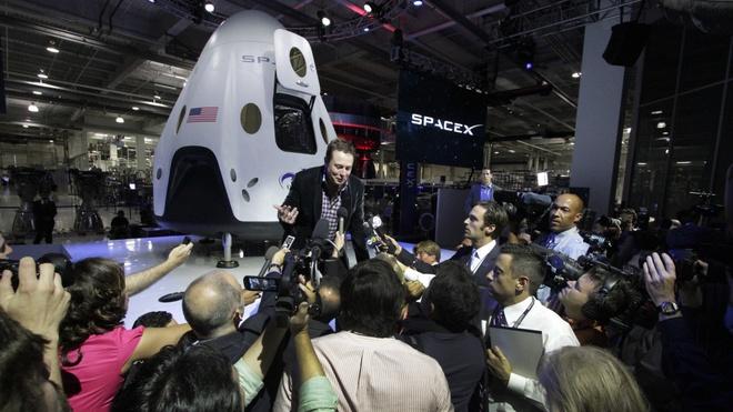 Elon Musk lam viec nhu the nao? hinh anh 1