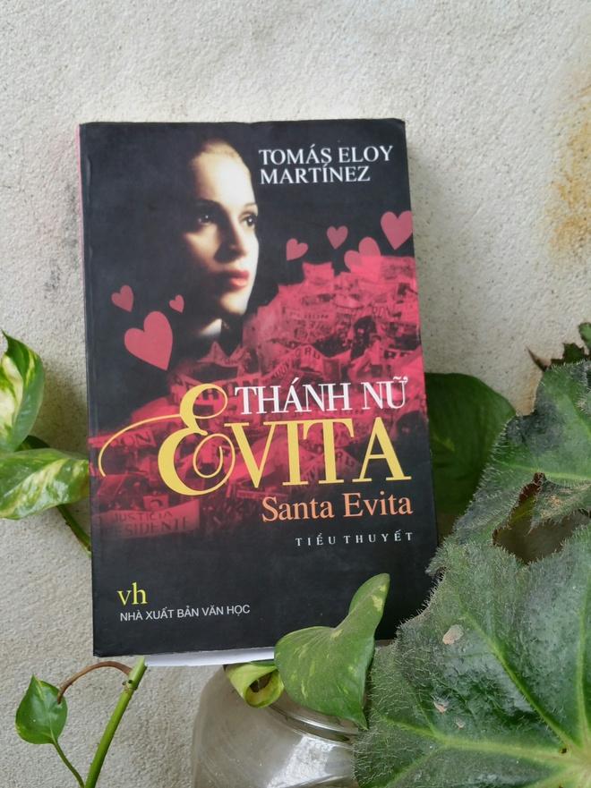 tieu thuyet ve nang Evita anh 1