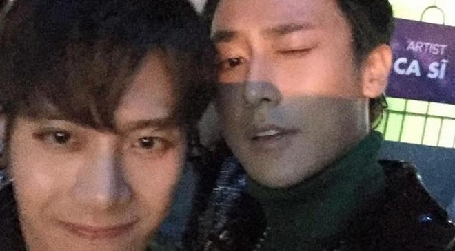 Rocker Nguyen than thiet voi Jackson (GOT7) sau san khau ZMA hinh anh