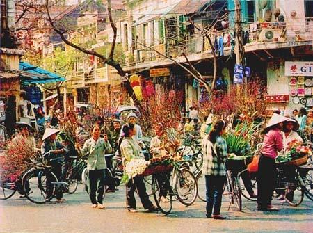 Phong vi tet Ha Noi xua trong van Vu Bang va Thach Lam hinh anh