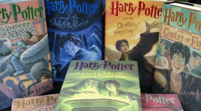 Harry Potter lan dau tien duoc dich ra tieng me de hinh anh