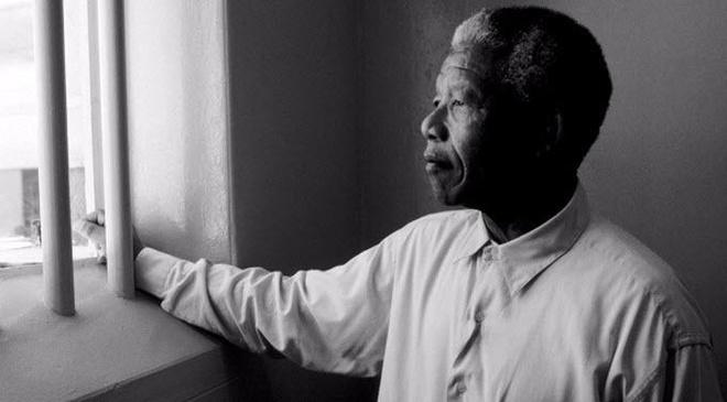 Xuat ban nhung la thu trong tu cua Nelson Mandela hinh anh