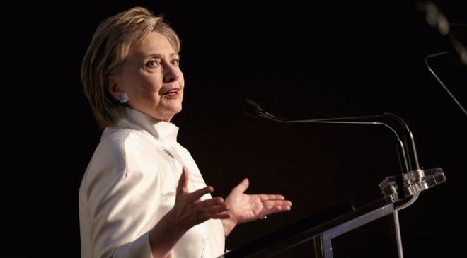 Ba Hillary Clinton trai long ve that bai trong cuon tu truyen moi hinh anh