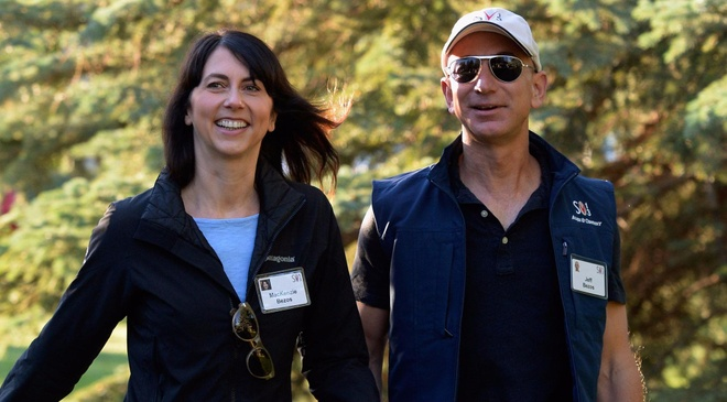 Jeff Bezos - ty phu co doi song binh di hinh anh