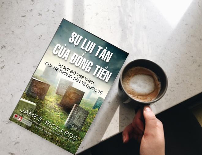 'Su lui tan cua dong tien' - dong tien sup do, hon loan keo den hinh anh 1