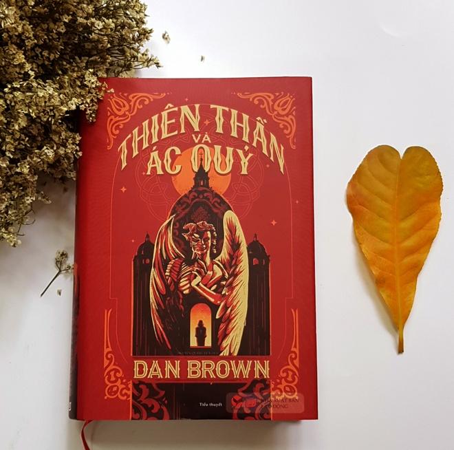 Tác phẩm Thiên thần và Ác quỷ vừa được ra mắt độc giả Việt Nam với diện mạo  mới.