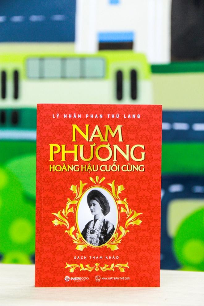 Ra sach ve cuoc doi thang tram cua Nam Phuong hoang hau hinh anh 1