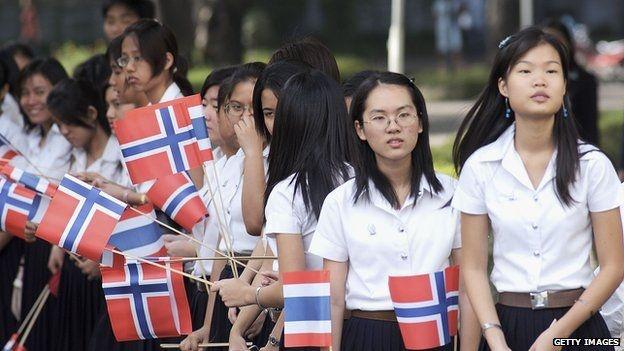Dai hoc o Thai Lan co trang phuc cho sinh vien chuyen gioi hinh anh