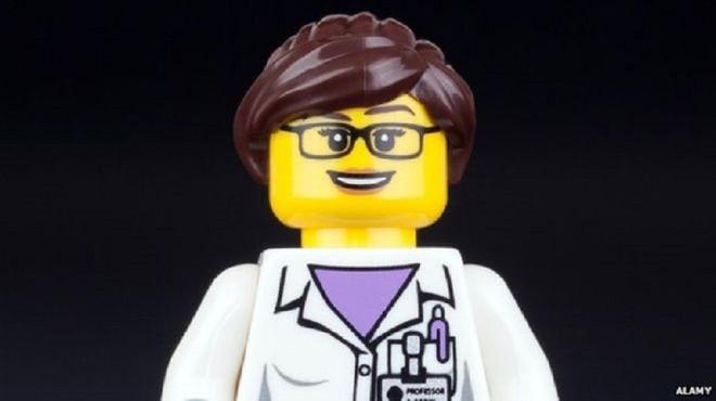 Dai hoc Cambridge tuyen giao su day Lego hinh anh
