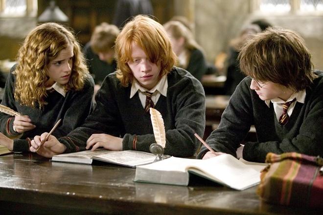 Sinh vien nghien cuu xa hoi, giao duc qua Harry Potter hinh anh