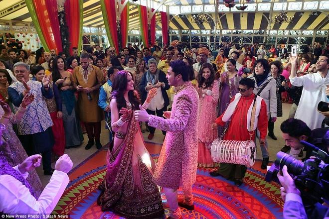 Dam cuoi xa hoa, tieu ton 14 trieu USD cua thieu gia An Do hinh anh 8 Cặp đôi dự kiến sống và làm việc tại Dubai sau khi kết hôn.