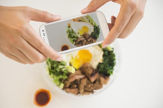 18 kieu nguoi khong nen ket ban tren Facebook hinh anh 4 Chỉ ăn thôi không được sao?