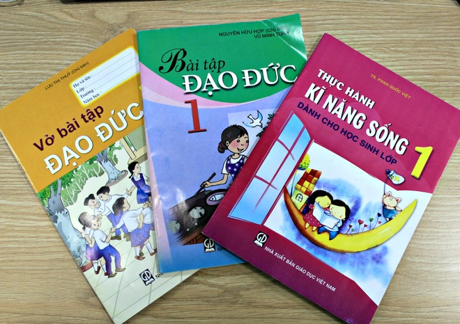 Sach Dao Duc lop 1 anh 2
