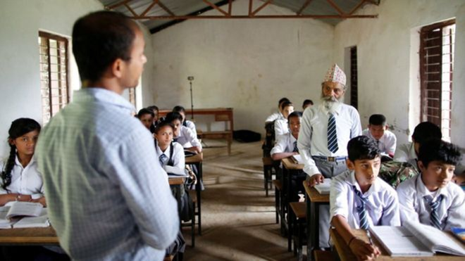Nepal: Cu ong 68 tuoi chon di hoc lam thu vui tuoi gia hinh anh 3