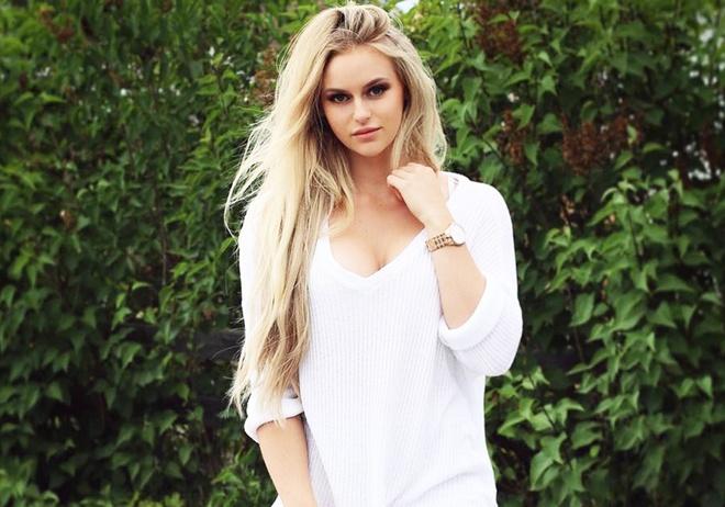 Hot girl Anna Nystrom thu hut trong phong tap hinh anh