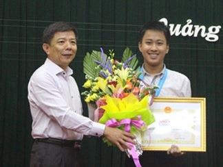 Quang Binh trao thuong hoc sinh gianh HCV Olympic quoc te hinh anh