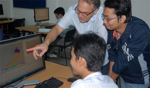 Khong chuyen DH Viet Duc ve DH Quoc gia TP HCM hinh anh 1