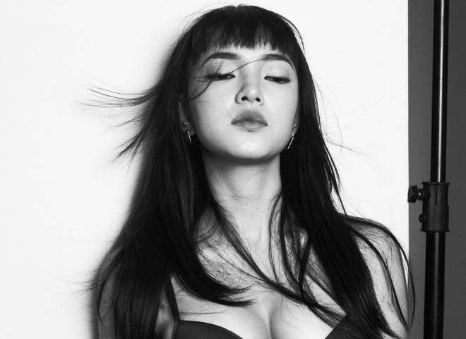 Hot girl Chau Bui goi cam trong bo anh chao tuoi 19 hinh anh