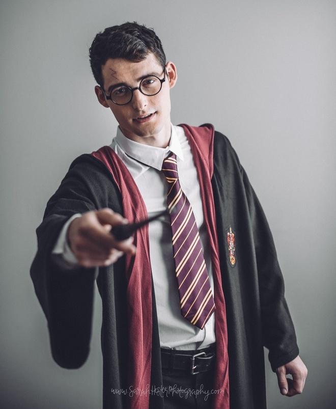 Chang trai duoc menh danh Harry Potter phien ban doi thuc hinh anh 3