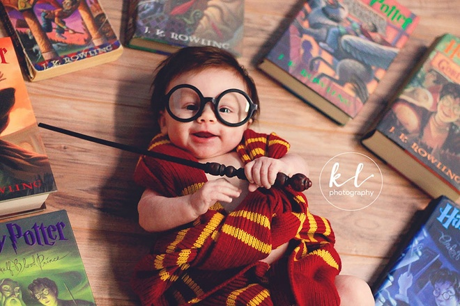 Be gai 3 thang tuoi duoc menh danh Harry Potter nhi hinh anh 3
