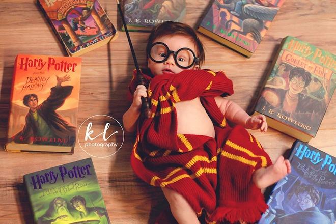 Be gai 3 thang tuoi duoc menh danh Harry Potter nhi hinh anh 4