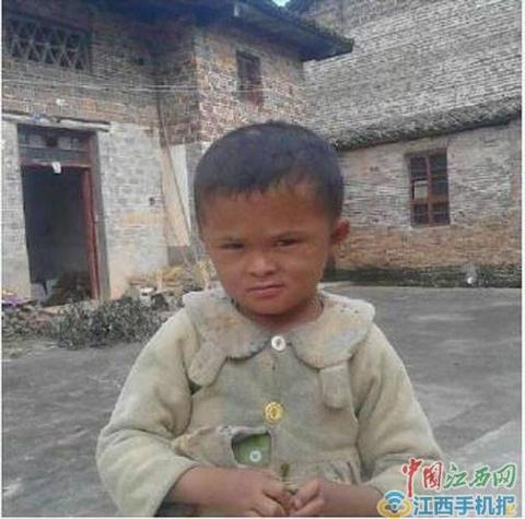 Jack Ma chu cap hoc phi cho cau be giong het minh hinh anh 5
