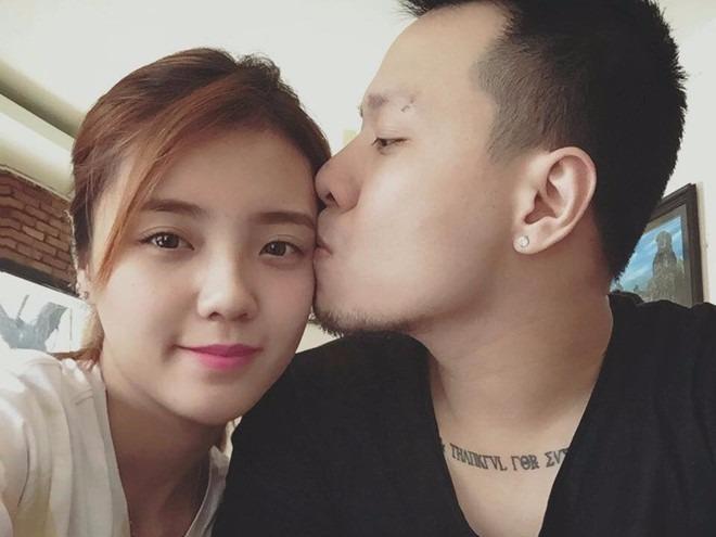 Nhung chuyen dang quen cua hot girl Viet trong nam qua hinh anh