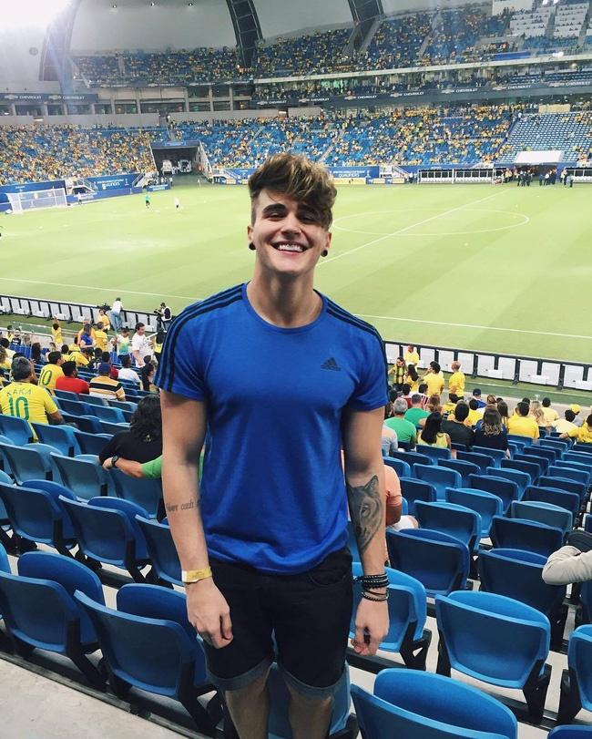 Hot boy Brazil giong Justin Bieber co 3 trieu fan tren mang hinh anh 5