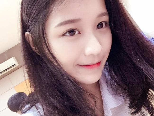 Nhan sac co gai Han Quoc noi bat tai Giong hat Viet 2017 hinh anh