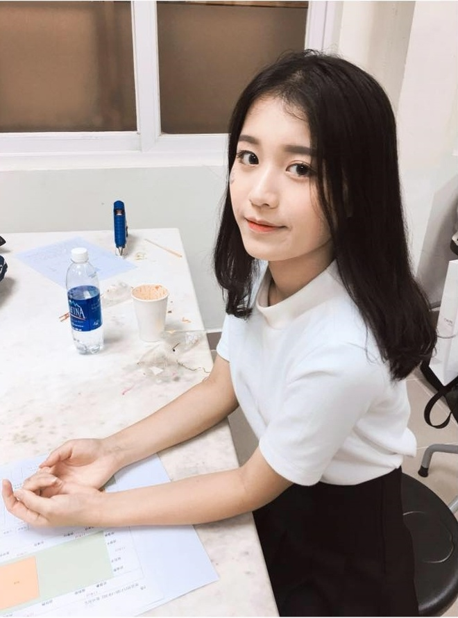 Nhan sac co gai Han Quoc noi bat tai Giong hat Viet 2017 hinh anh 8