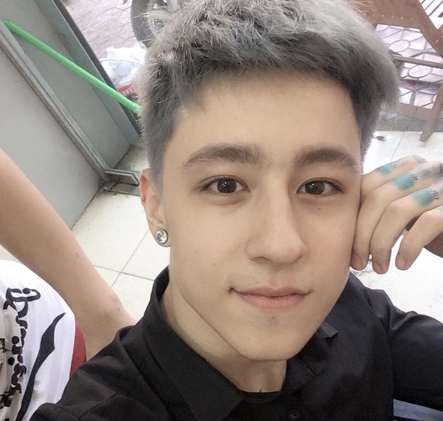 hot boy lai Tay anh 6