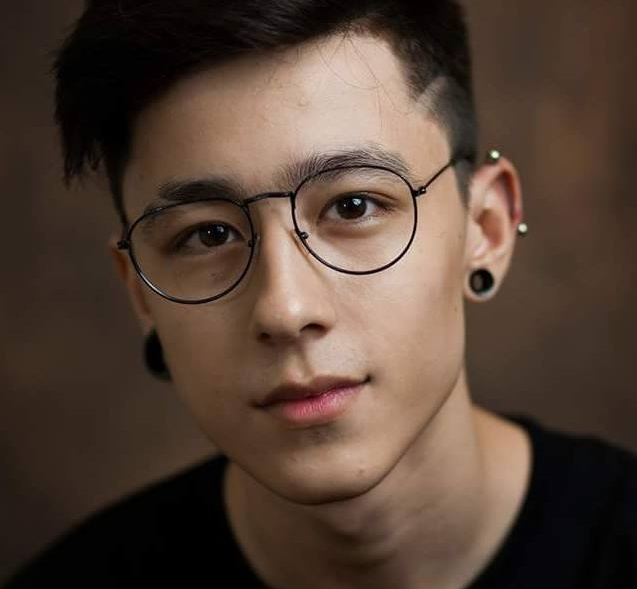 hot boy lai Tay anh 1