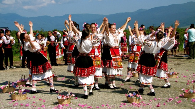 Le hoi hoa hong o Bulgaria dien ra nhu the nao? hinh anh 9