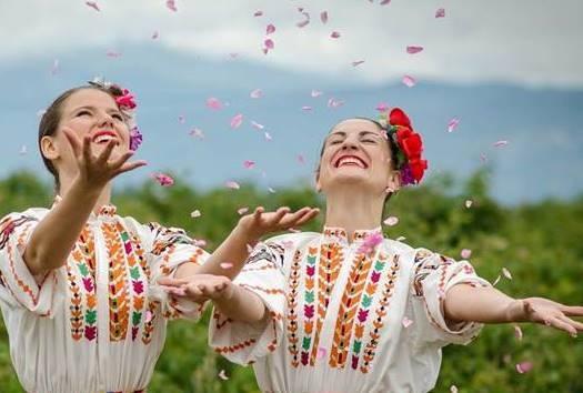Le hoi hoa hong o Bulgaria dien ra nhu the nao? hinh anh