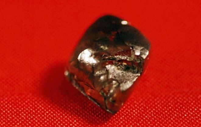 Cau be tim ra vien kim cuong nang 7,44 carat trong 30 phut hinh anh 3