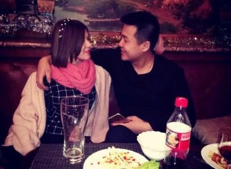 Chang trai khong xe, khong nha van cuoi duoc vo hot girl hinh anh 2