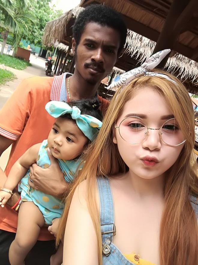 cap doi dua lech Campuchia anh 1