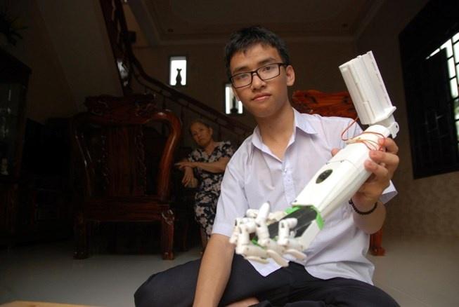 Nam sinh Quang Tri di thi quoc te da duoc cap visa den My hinh anh 1