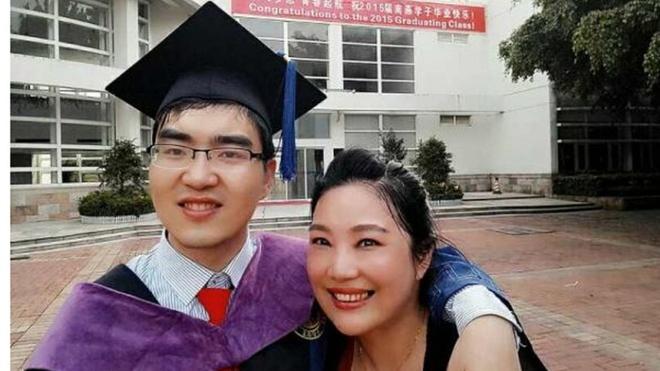 Ba me Trung Quoc nuoi con bai nao vao Dai hoc Harvard hinh anh 1