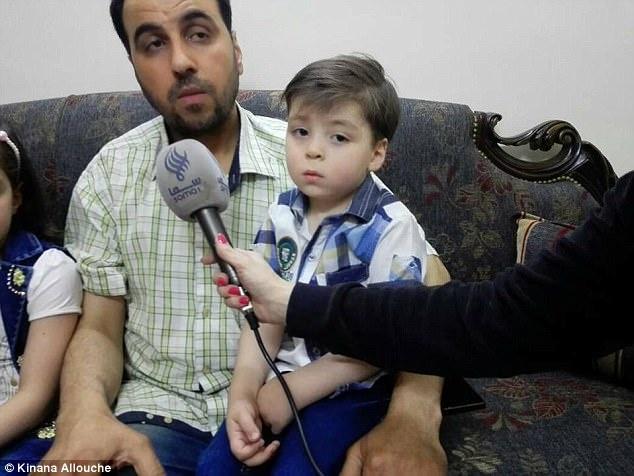 Be trai Syria bi thuong tung gay chan dong the gioi gio ra sao? hinh anh 4