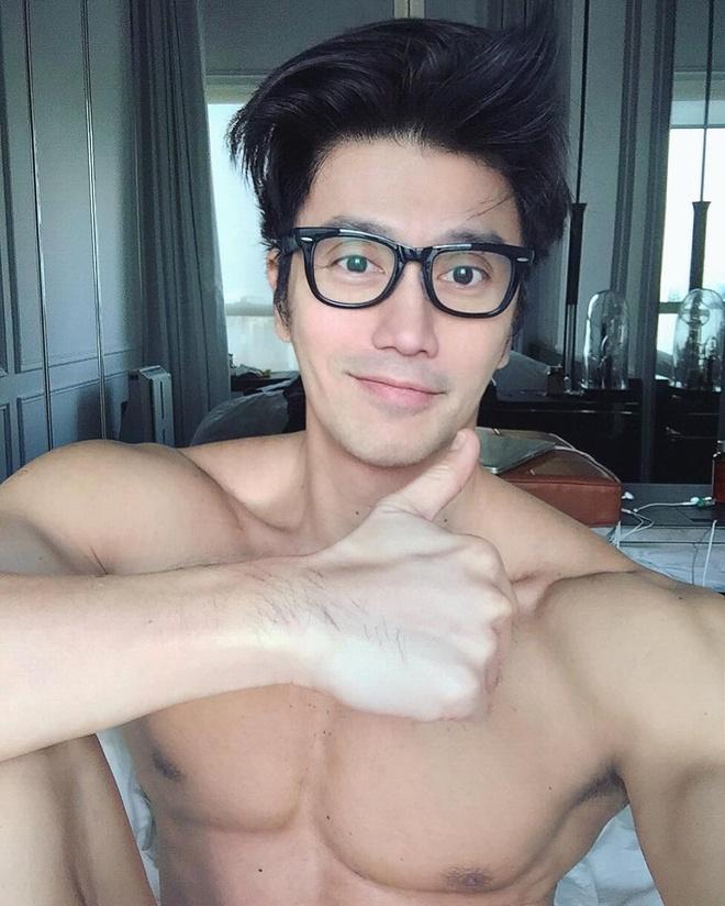 'Hot boy' U50 noi tieng nho guong mat dien trai, co the 6 mui hinh anh 1