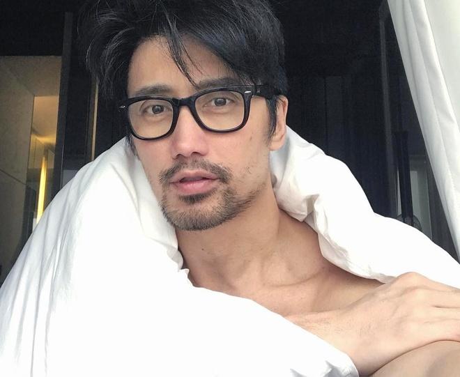 'Hot boy' U50 noi tieng nho guong mat dien trai, co the 6 mui hinh anh 3